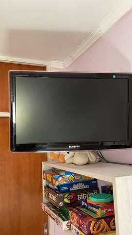 "TV Monitor LCD Samsung 24"""
