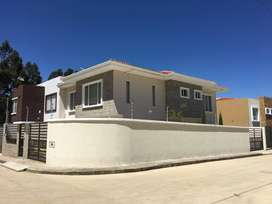 Se alquila Hermosa Casa amueblada en Ricaurte
