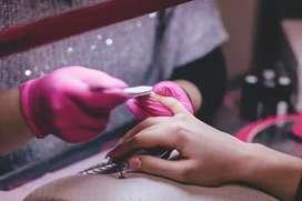 Se Necesitan manicuristas