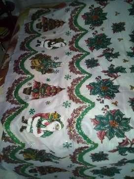 Se vende cortina de  navidad o se aceptan cambios mide 2 metros de largo por 146 de ancho