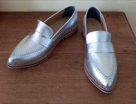 Zapatos nuevos, sin uso