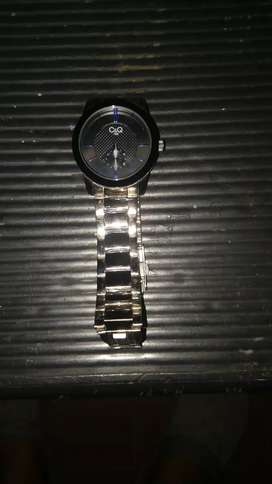 Reloj CQ Bueno