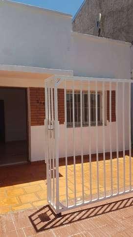 Alquilo casa zona Uruguay y Maipu