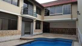 Renta, alquiler, arriendo Casa con Uso de Suelo Comercial en Ciudadela Albatros Norte de Guayaquil