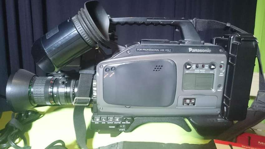 Cámara Profesional Panasonic Agdp800hp 3ccd 0