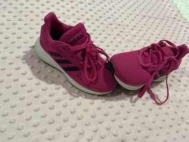 Zapatos en excelente estado para niña