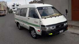 7000 soles Toyota tow ace año 86 gasolinera