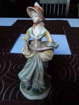 Figura De Porcelana Origina De Antigua Dama