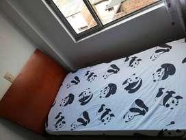 Se vende cama cuna con barandales