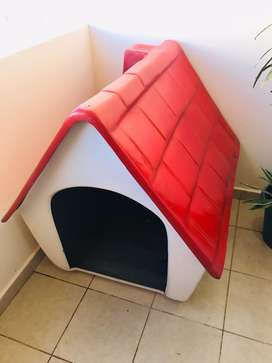 Casa para perro de fibra de vidrio. Ideal para exterior