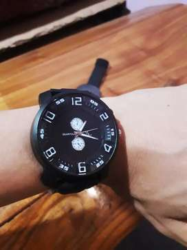 vendo relojes nuevos! ambos andan en perfectas condiciones.