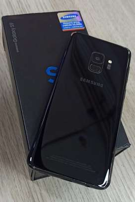 Vendo Samsung Galaxy S9 de 64gb y 4 de RAM