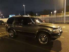Vendo o permuto Ford explorer 97