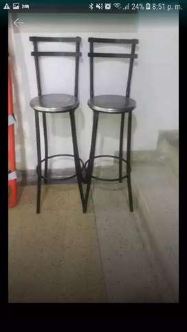 Sé Venden dos sillas altas