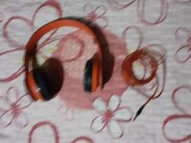 auriculares rojos a 20 soles