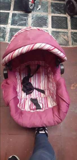 Corral bebe y porta silla