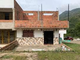 ¡OPORTUNIDAD! Vendo hermosa casa, con segundo piso para seguir construyendo, excelente vista y clima