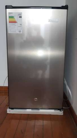 Vendo frigobar Electrolux