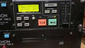 Compactera doble Denon con pitch y controlador