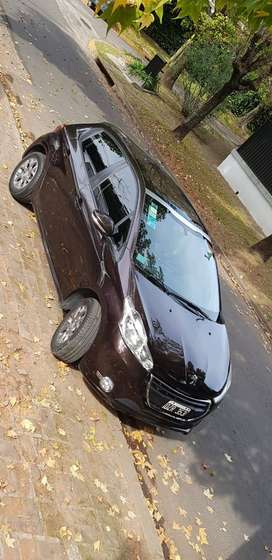 Venta de Peugeot 208 2015 alliure touchscreen 1.6