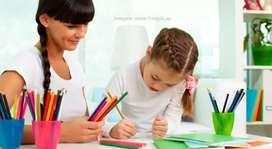 Se ofrece acompañamiento de niños/as en casa en las clases virtuales loja