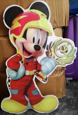 Micky sobre ruedas..Figuras para fiestas infantiles en tecnopor