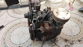 Motor de Renault 4 con transmisión
