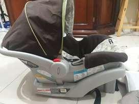 Portabebe Car set marca Graco, juguete de cuna, gimnasio musical ,canguro, soporte de bebe