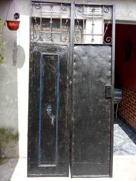 Puerta doble Antigua muy buena