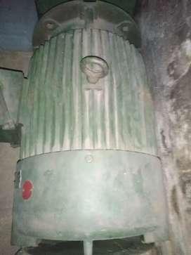 Motor eléctrico trifacico