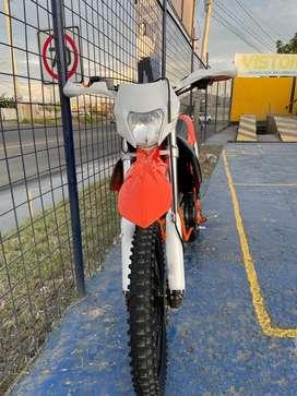 Vendo Moto Axxo 250cb 2018 con full Extras poco uso!