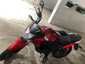 Se vende moto honda de 125 cm cubicos