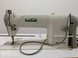 Venta de dos máquinas una de cocer y fileteadora marca siruba y gemsy