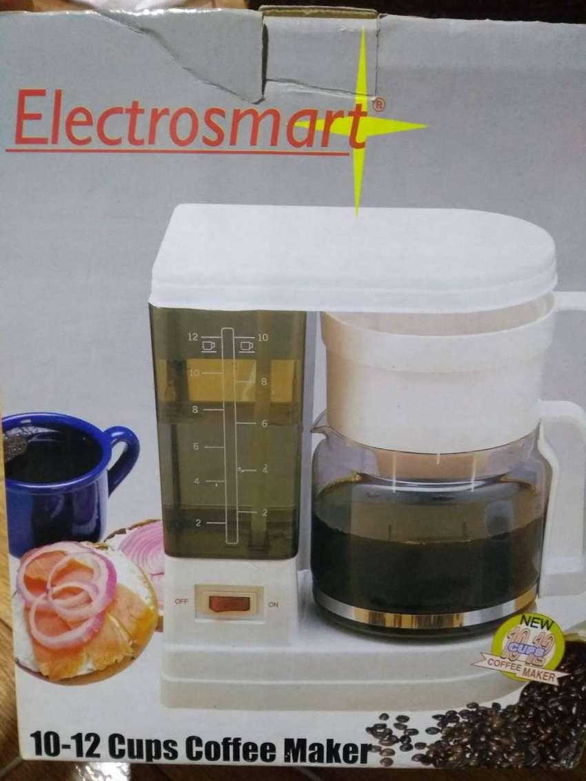 Se vende Cafetera 12 Tazas Marca Electrsmart