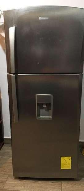 Venfo Refrigeradora Indurama 17 pies medio uso $450 negociables