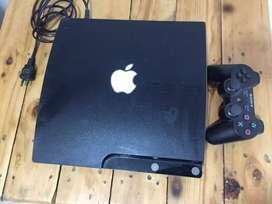 PS3 de 250gb con 2 controles y 2 juegos