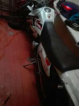 Vendo Moto Honda 200 Xl
