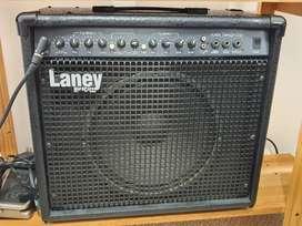 Amplificador de guitarra 100W Laney con reverb