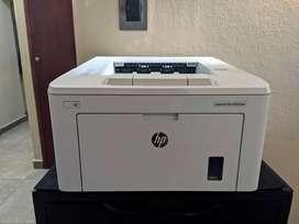 Impresora HP M203dw + 4 toners