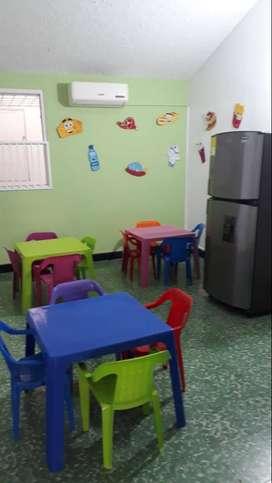 Mesas-sillas rimax de niños