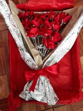 rosas artificiales para regalar a tu novio