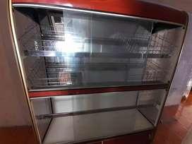 vendo vitrina panadera de 9 puestos con 6 charolas 2 meses de uso