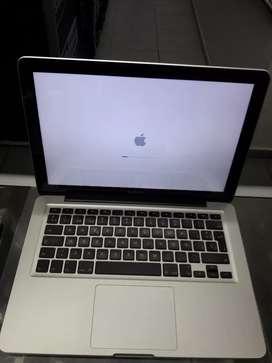 MacBook pro 2012 core i5 video 15.GHz