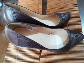 Zapatos de tacos altos vía uno