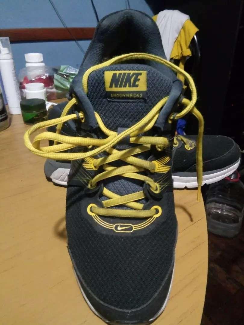 Zapatillas Nike originales talle 9 y medio