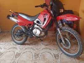 Vendo Moto Lineal de uso personal bien conservado marca LIFAN motor 200 chacarera