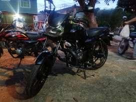 Se vende moto discover 100 en excelente estado 2019