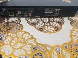 Vendo espectacular DVD BLU-RAY marca Sony  con control y cable hmi en perfecto estado.