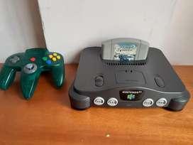 Nintendo 64 con un juego