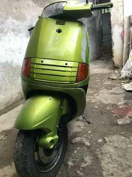 Se vende moto de colección  Piaggio cilindraje 125 con tarjeta de propiedad modelo 94$ 900000 negociables
